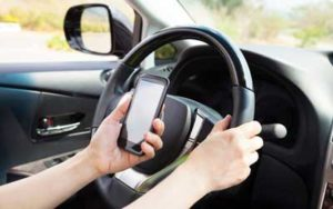 texting while drving distracted auto accidents